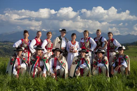 zdjęcie grupowe Górali Podhalańskich na weselu
